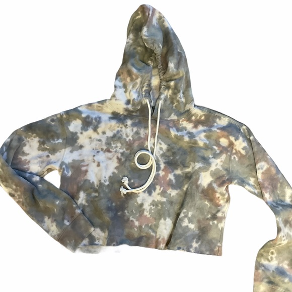 Wild fable Small tie dye cropped hoodie